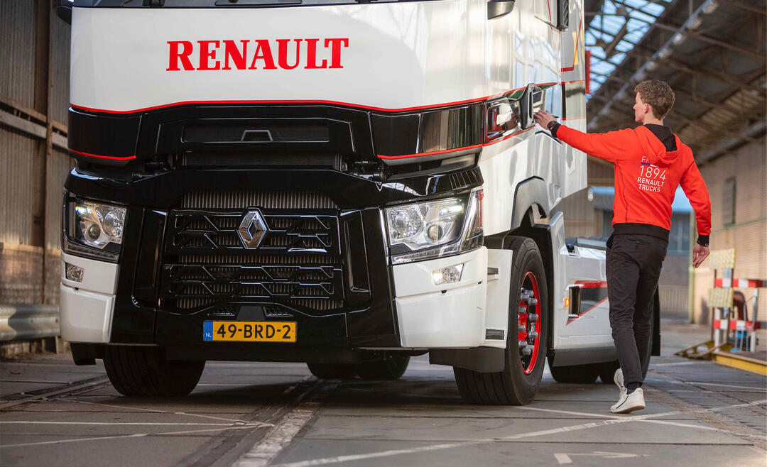 Nijwa-renault-trucks-t-high-driver-edition-2